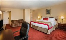 Ramada by Wyndham Ligonier - Deluxe King Room