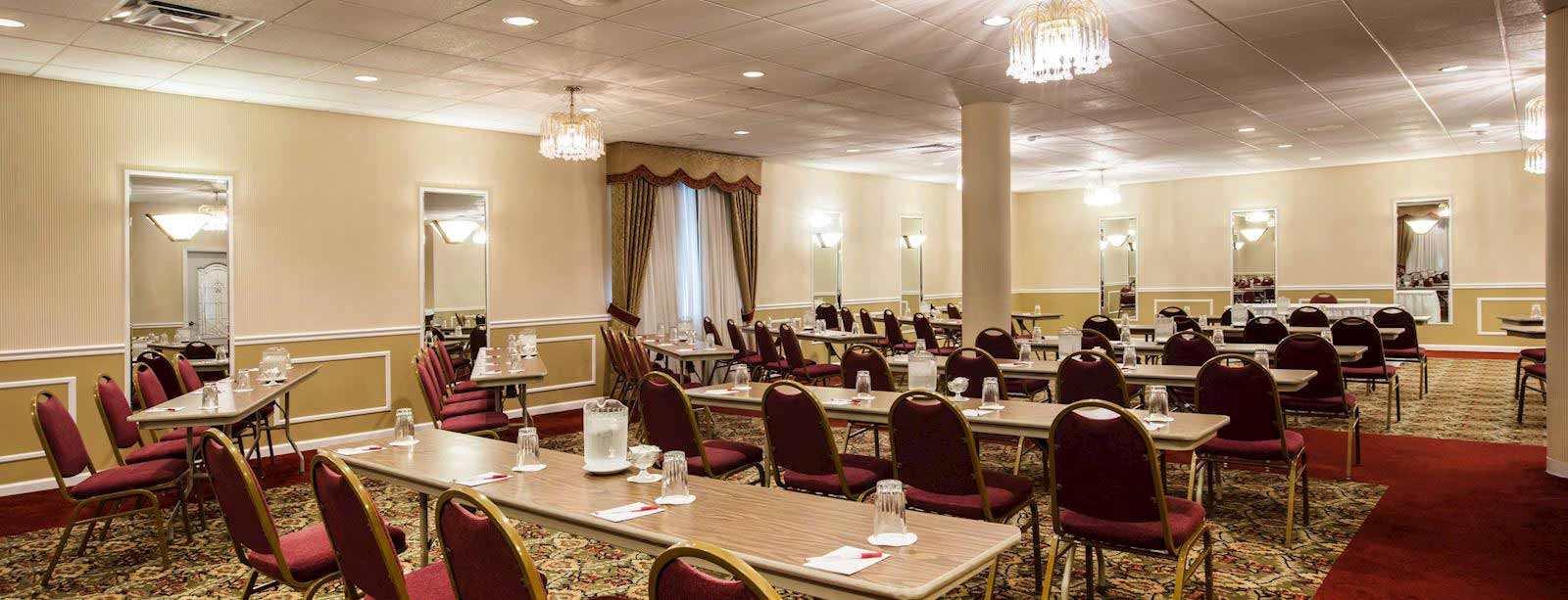 Hotel in ligonier, Pennsylvania
